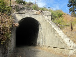 A tunnel entrance in Yakima River canyon.
