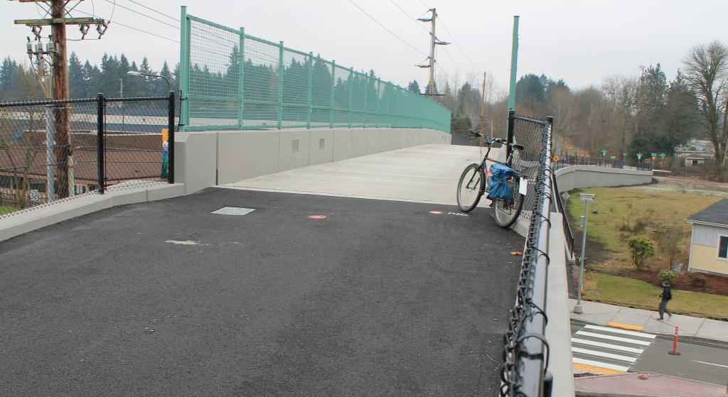 New bike bridge over Pacific Avenue in Lacey
