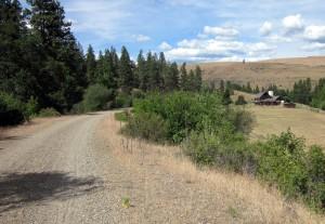 Deserted farmstead next to John Wayne Pioneer Trail in Yakima canyon