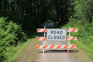 Trail closure sign on Snoqualmie Valley Trail
