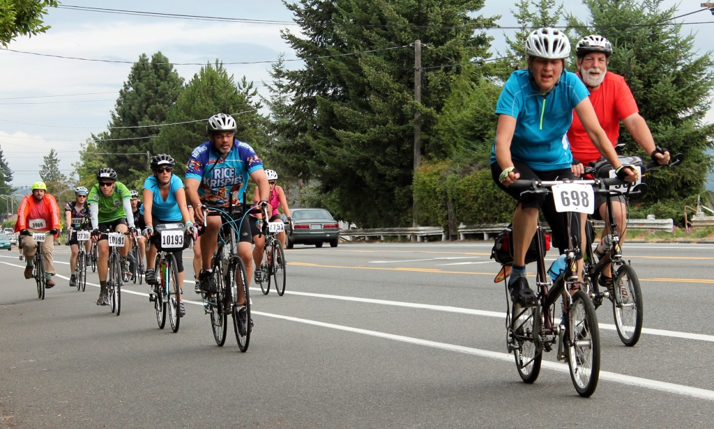 2015 STP cyclists on Rainier Avenue in Seattle